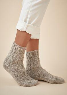 Easy Knitting, Knitting Socks, Knitting Patterns Free, Free Pattern, Crochet Patterns, Welcome New Members, Denim Look, Colorful Socks, Mitten Gloves