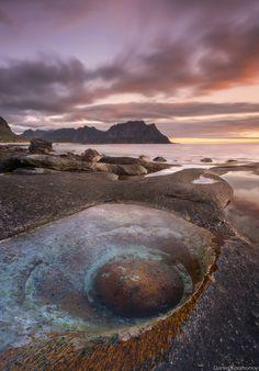 *** The Eye ***. Norway // Lofoten // Utakleiv reflected   3 min, f/13, iso 50, 4 horizontal photos in one panorama on Nikon D800 + 24-70 nikkor, ND400. Автор: Даниил Коржонов