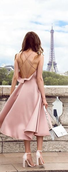 This dreamy look makes us all want to be walking the streets of Paris in Dior. But, for those of us that can't do that it's perfect for a fancy night out of embracing our softer feminine side.