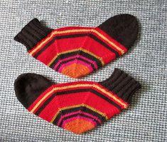 Knitting Socks, Mittens, Gloves, Embroidery, Crochet, Tights, Dots, Slippers, Tutorials