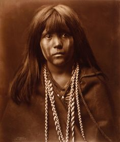 Edward Sheriff Curtis, Mosa, Mohave girl, 1903.