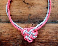 Tutorial: Irish Knot Necklace