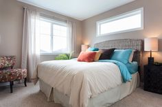 Such a bright, and beautiful master suite! Master Suite, Master Bedroom, Oak Park, New Home Builders, New Homes, Bright, Furniture, Beautiful, Home Decor