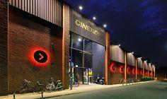 Das Kino  Mitten im multikulturellen Kölner Stadtteil Ehrenfeld liegt das Cinenova. Ein Kinokonzept aus lebensnahem und gleichzeitig anspruchsvollem und vielfältigem Filmprogramm. Immer wieder finden im Cinenova diverse Veranstaltungen statt, wie beispielsweise Premieren, Previews und Events.  Insbesondere in den Sommermonaten lädt der Biergarten zum Open-Air-Kino ein. Eine große Leinwand sorgt für ein überwältigendes Kinoereignis.  Das Kino ist mit drei schönen Sälen ausgestattet, die alle…