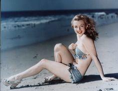 Marilyn Monroe - Film Actress, Pin-up - Biography.com