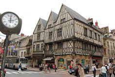 Dijon, France - Pour la moutarde oui, mais pour le reste aussi.