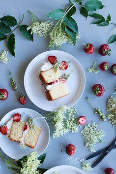 Strawberry elderflower cake (recipe) | Call me cupcake