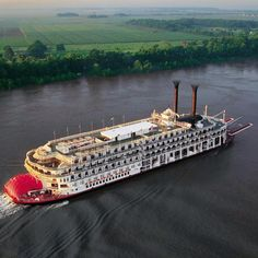 American Cruise Lines offers the best 2020 Mississippi River Cruises. Riverboat Cruises with Beautiful Scenery, Historic Landmarks & Award Winning Amenities Cruise Travel, Cruise Vacation, Vacations, Vacation Ideas, Honeymoon Ideas, Vacation Spots, Vacation Places, American River Cruises, Mississippi River Cruise