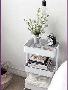 61 SIMPLY AMAZING Small Space HACKS for your TINY BEDROOM! - Simple Life of a Lady Organizing a tiny-spaced bedroom doesn't have to be that hard. Here are small bedroom ideas that you can try to make a haven out of your tiny space! Interior, Small Space Hacks, Organization Bedroom, Tiny Bedroom, Room Inspiration, Bedroom Inspirations, Apartment Decor, Room Decor, Bedroom Decor