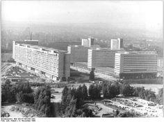Bundesarchiv Bild 183-H1106-0301-002, Dresden, Neubaugebiet Prager Straße - Prager Straße (Dresden) – Wikipedia