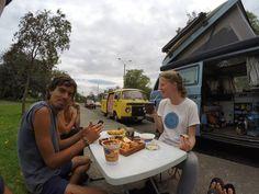 Breakfast on the sidewalk!! I love it :-) @a.la.pirinola invited us for mate.....???quiere mate??? #vanlife #inthestreet #cuenca #ecuador #westylife #kombilife # @a.la.pirinola #homeiswhereyouparkit #newneighbors #dulcedeleche #banana #nutella #breakfast #mate by crepeattack