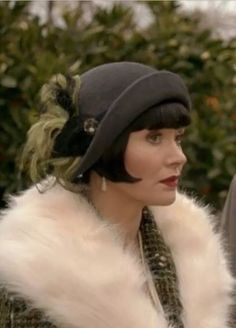 {Essie Davis} Fabulous Phryne Fisher ~ Miss Fisher's Murder Mysteries