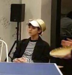 Only the Dankest of Kpop Memes 👌 Going Seventeen, Joshua Seventeen, Seventeen Memes, Seventeen Album, Joshua Meme, Joshua Hong, Woozi, Jeonghan, Meme Faces