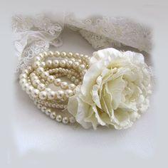 Romantic Shabby & Vintage added a new photo. Bridesmaid Bracelet, Bridal Bracelet, Bridal Jewelry, Vintage Pearls, Shabby Vintage, Shabby Chic, Jasmine Bridal, Owl Eyes, Pearl And Lace