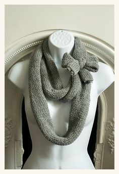 Gray eternity scarf w/ bow