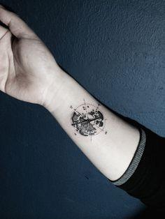 Compass Tattoo From Blue Whale Ink Design by _park_tae_ Work In Korea, Seoul, Hongdae Kakao: taemin0509 Insta: _park_tae_ Email: hopetaemin@naver.com Phone: 010.9922.2511