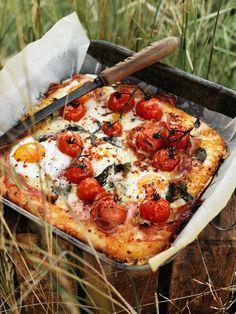 egg, pancetta and gruyère breakfast bread