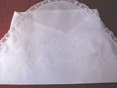 Neuza Enxovais: vira manta de cambraia bordada à mão