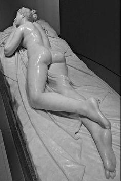 Ninfa durmiente (Antonio Canova) Victoria & Albert Museum London
