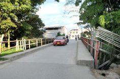 Este puente según la presidenta de la JAC, presenta deterioro en sus soportes y el temor es que se pueda desplomar. / Fotos Dairo Ortega –El Nuevo Liberal.