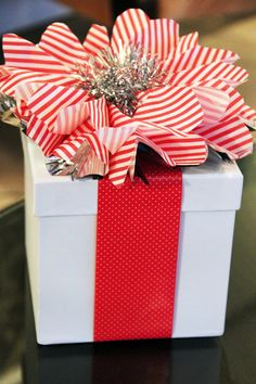 Easy DIY Cute Christmas Gift Wrap Ideas with White Cube Box and Red White-Dotted Ribbon & Stripe Paper Flower - Delightful DIY Christmas Gift Wrapping Ideas