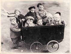 Vintage children in a stroller! Vintage Children Photos, Vintage Pictures, Old Pictures, Vintage Images, Old Photos, Vintage Kids, Antique Photos, Vintage Photographs, Photo Vintage