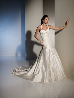 A-line Halter Neckline Sweetheart Cathedral Lace Applique Wedding Dress