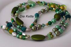 "Kette lang ""Frühling"" GRÜN Grün grün von Die-Kette auf DaWanda.com"