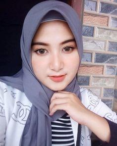 💗💗💗💗💗 @acehwomen @acehwomen @acehwomen  Follow & tag @acehwomen ✔… Hijabi Girl, Girl Hijab, Muslim Girls, Muslim Women, Hijab Fashion, Fashion Beauty, Woman Fashion, Muslim Beauty, Islamic Girl
