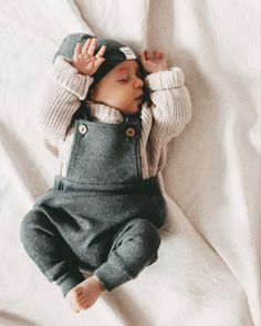 Cute Baby Boy Outfits, Kids Outfits, Newborn Boy Outfits, Little Boy Outfits, Baby Boy Fashion, Kids Fashion, Foto Baby, Baby Boy Newborn, Baby Swaddle