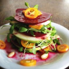 Beetroot Apple Mille-Feuille This raw vegan mille-feuille is inspired by a vegetarian recipe in a new German vegetarian cooking magazine, and my Layered Beetroot Avocado Salad. Vegan Dinner Party, Vegan Dinner Recipes, Vegan Dinners, Raw Food Recipes, Cooking Recipes, Healthy Recipes, Dinner Parties, Easy Recipes, Dinner Healthy