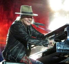 Axl Rose of Guns N' Roses, New Jersey, july 2016 Photo by Margott Hinostroza…