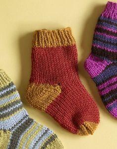 free kids' kid's children's childrens' sock knitting pattern download from lion brand yarns