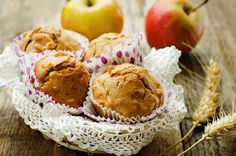Além de gostoso e saboroso, o muffin de maçã te ajuda a emagrecer. Faça essa receita simples e inclua o muffin na sua dieta. http://www.eusemfronteiras.com.br/muffin-de-maca-com-castanhas/?utm_content=buffer29c4c&utm_medium=social&utm_source=facebook.com&utm_campaign=buffer #eusemfronteiras #receitas #muffin #maçã #castanhas