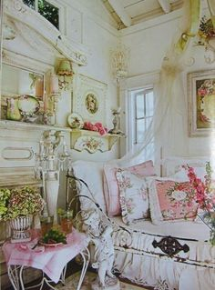 Pink, green and white, feminine and chic- an astonishingly lovely room!