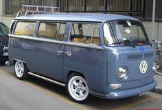 Like the stance. Vw Bus T2, Bus Camper, Volkswagen Bus, Vw T1, Vw Vanagon, Campers, Combi Vw T2, Wolkswagen Van, Kombi Clipper