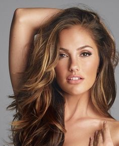 Love this golden brown color! Minka Kelly.