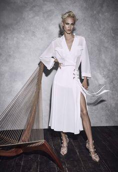 Alberta Ferretti | Resort 2017 Collection | Vogue Runway