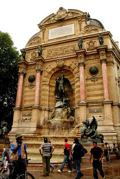 st michel fountain Paris