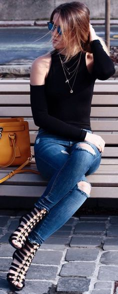 Top:NANA'S S/S 2016 / Jeans: Mango / Heels: hm x balmain / Bag: Michael Kors / Ring: Thomas Sabo || Nana's Fashion #topnanas