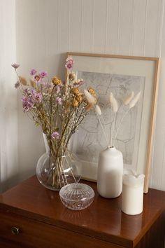 diy vase decor for the home Retro Home Decor, Cheap Home Decor, Home And Deco, Eclectic Decor, Eclectic Vases, Home Decor Accessories, Accessories Shop, Home Decor Inspiration, Dried Flowers