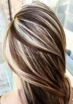 37 Cream Blonde Hair Color Ideas for This Spring 2019 Cream Blonde Hair Color Healthy cream blonde curls seem like an unattainable dream for any beauty who want to brighten their hair. It is not so easy t. Brown Hair With Highlights, Hair Color Highlights, Ombre Hair Color, Hair Color Balayage, Brown Hair Colors, Blonde Balayage, Hair Colour, Carmel Highlights, Chunky Highlights