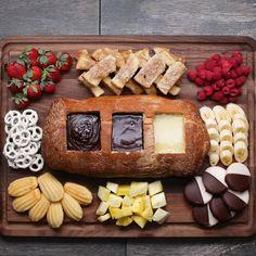 Chocolate Fondue Bread Boat Recipe by Tasty - Baking Recipes Delicious Desserts, Dessert Recipes, Yummy Food, Egg Recipes, Cake Recipes, Lunch Recipes, Healthy Recipes, Yummy Snacks, Detox Recipes