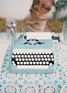 """""""Uno siempre escribe para aprender, para comprender, para saber, para intentar entenderte y entender el mundo"""""""