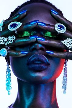 Ajak Deng Dazzles in Luxe Jewels for Vogue Portugal : Ajak Deng takes the spotlight for the April 2019 issue of Vogue Portugal. In front of the lens of Jamie Nelson, the Australian model turns up the shine factor wearing luxe jewelry. Beauty Photography, Fashion Photography Inspiration, Jewelry Photography, Vogue Photography, Celebrity Photography, Photography Accessories, Iphone Photography, Style Inspiration, Jewelry Editorial