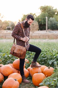 New Darlings - Menswear Fall Fashion with Clark's Boots - Pumpkin Picking Fall Fashion Boots, Autumn Fashion, Fall Boots, Mens Stitch Fix, Clarks Boots, New Darlings, Outfits Hombre, Pinterest Fashion, Menswear