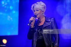 Claudia Jung bei einem Auftritt bei der Schlagerstarparade 2014 in Hamburg, o2 World Arena