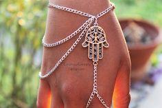 Armband Silber Hamsa-Slave von EnamourEntirety auf Etsy
