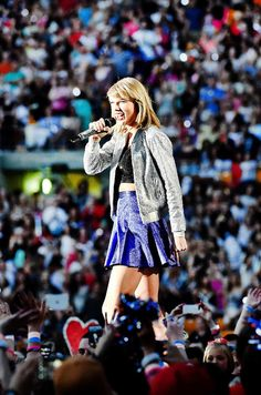 Taylor Swift, in concert