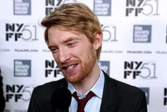 Poe Dameron You're Alive - vivienvalentino: Doing press with [Domhnall] is. Domhall Gleeson, Ginger Babies, Oscar Isaac, Attractive Men, Face Claims, Future Husband, Gorgeous Men, Pretty People, My Boys